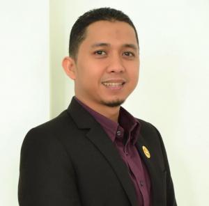 Ket Foto : Handrie Kurniawan, S.E., M.IP.Alumni Magister Ilmu Pemerintahan Unila